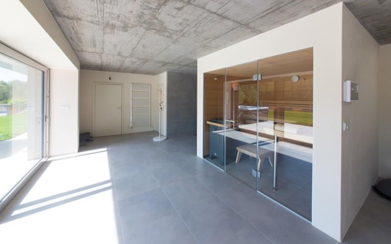 Luxusní sauna Lounge Q Klafs s hvězdným nebem a prosklenou stěnou