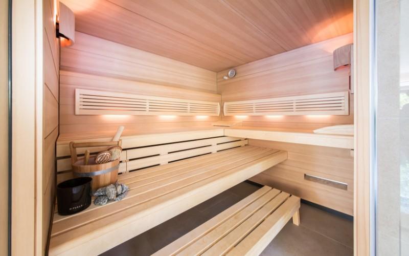 Interiér sauny Klafs- realizace od Aquamarine Spa- sauny na míru