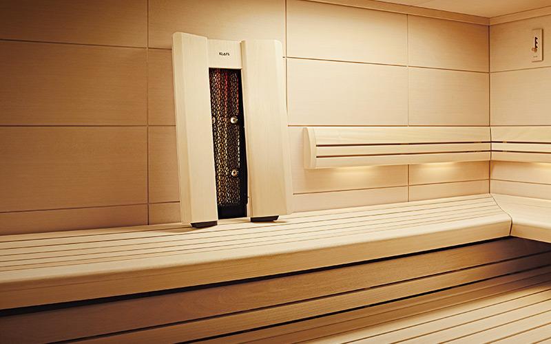 Luxusní infrasauna Klafs v tradiční finské sauně
