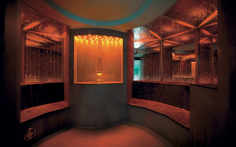 Exkluzivní parní kabina v luxusním komerčním wellness