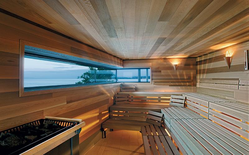 Designová luxusní sauna Klafs s unikátním oknem s pohledem do krajiny