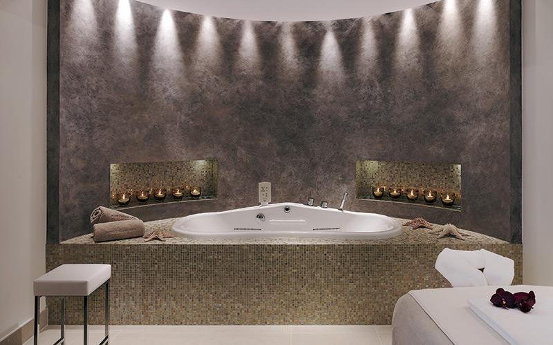 Luxusní komerční wellness s vířivou lázní Riviera Pool