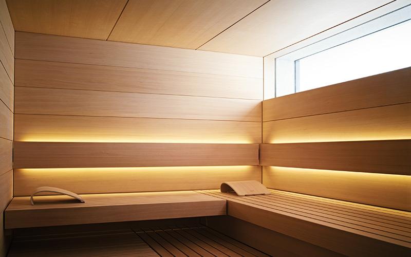 Luxusní sauna s oknem a speciálním osvícením