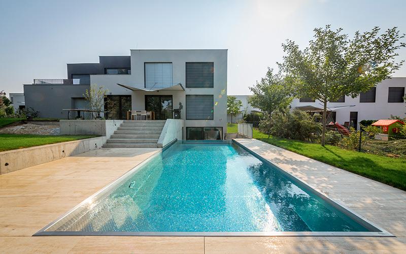 Luxusní zapuštěný bazén Imaginox z nerezu s přelivnou hranou