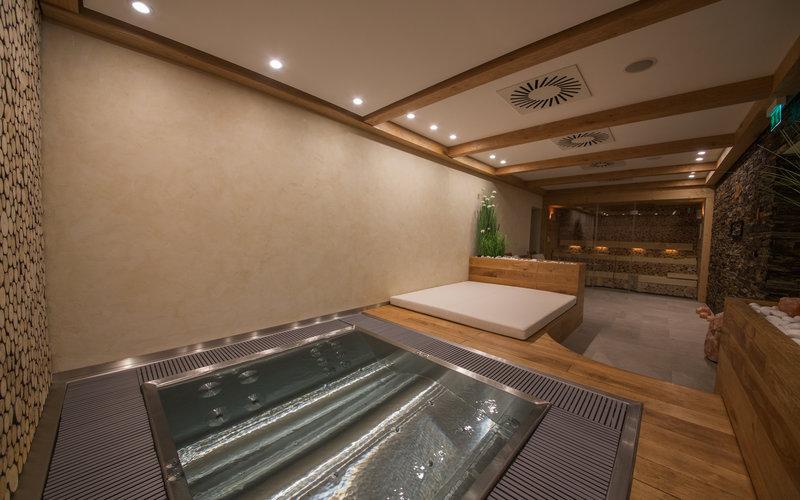 soukromé wellness se saunou a vířivou vanou