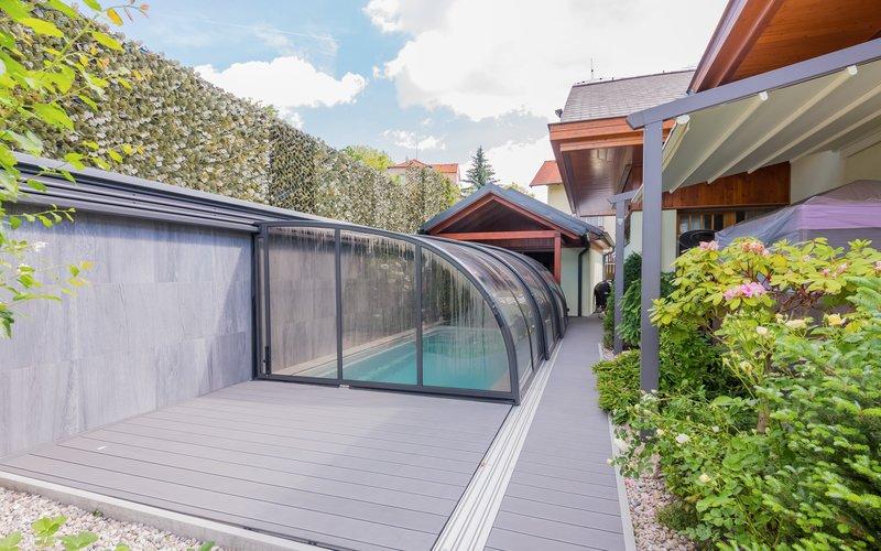 zastřešený venkovní bazén Riviera Pool