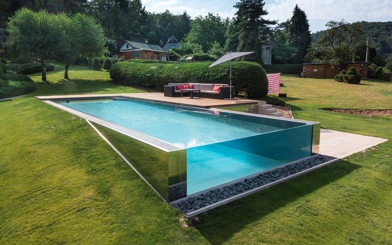 nerezový bazén s prosklením