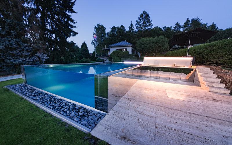 skleněná příčka v nerezovém bazénu Imaginox