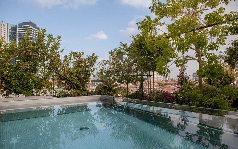 nerezový skimmerový bazén se sklem