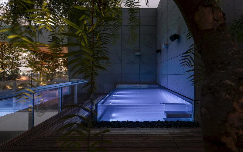 designový nerezový bazén se sklem